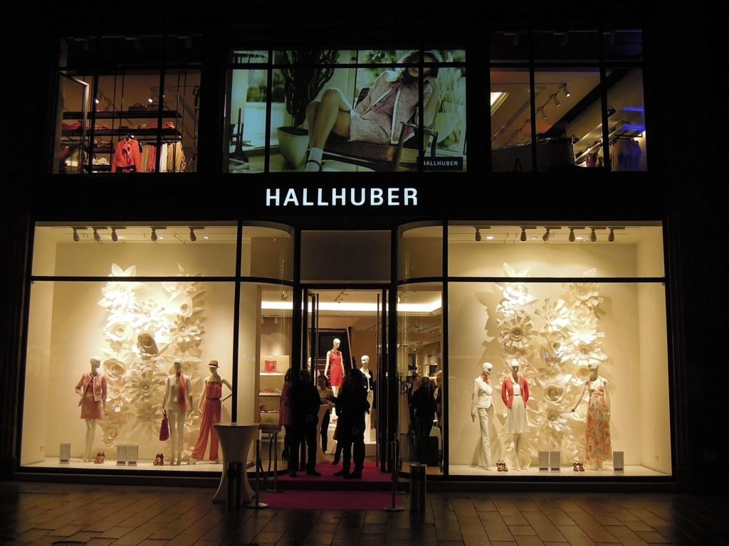 Hallhuber Flagshipstore