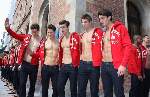 ABERCROMBIE-AND-FITCH-OPENING-HAMBURG-2