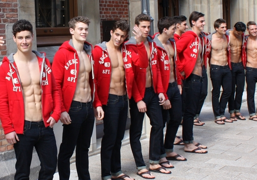 ABERCROMBIE-AND-FITCH-OPENING-HAMBURG